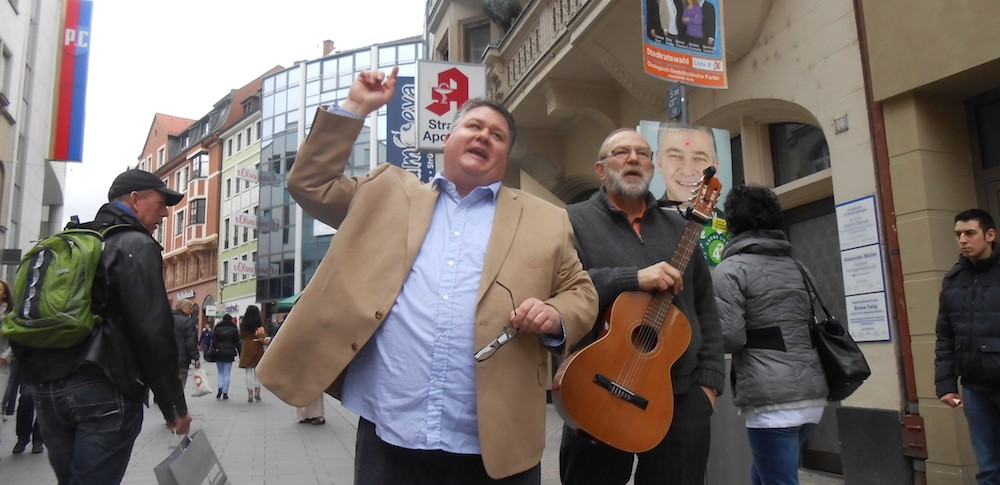 pmi_Doug and Heinz Preaching on the Streets of Aschaffenburg