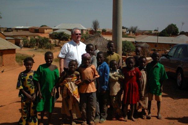 Vernon Jarvis with Nigerian children